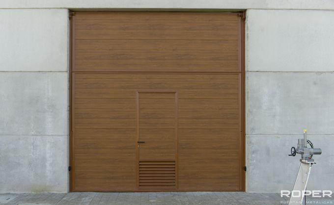 Puerta Basculante 2 Hojas Industrial 2