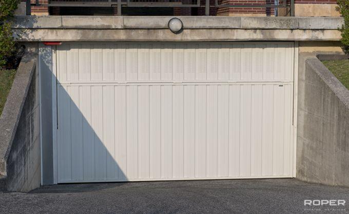 Puerta de Garaje Basculante 2 Hojas Comunitaria 6