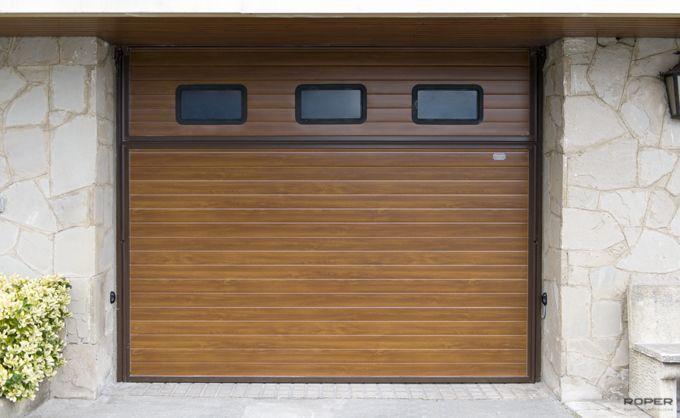 Puerta de garaje basculante 2 hojas residencial roper for Nombres de garajes