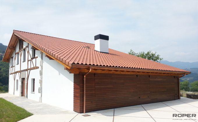Puerta de Garaje Basculante 2 Hojas Residencial