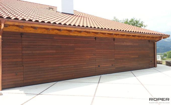 Puerta de Garaje Basculante 2 Hojas Residencial 1