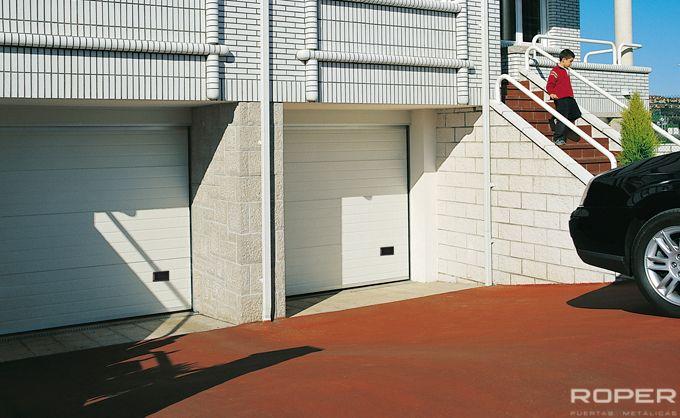 Puerta de Garaje Seccional Residencial 17