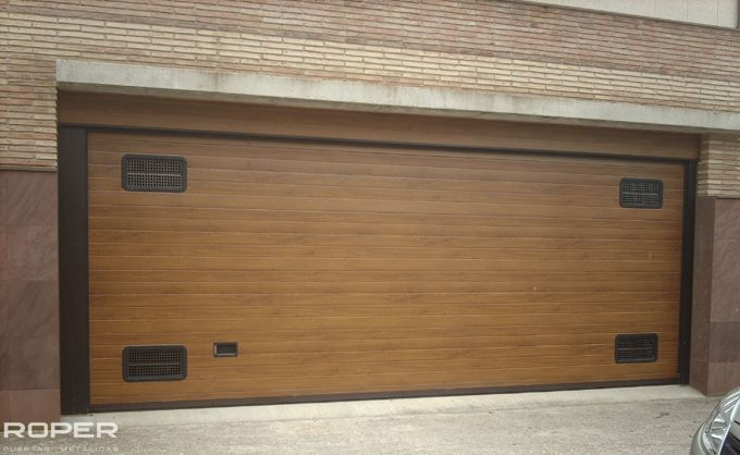 Puerta de Garaje Seccional Residencial 24