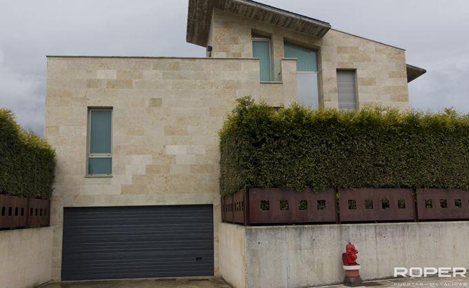 Puerta de Garaje Seccional Residencial 33
