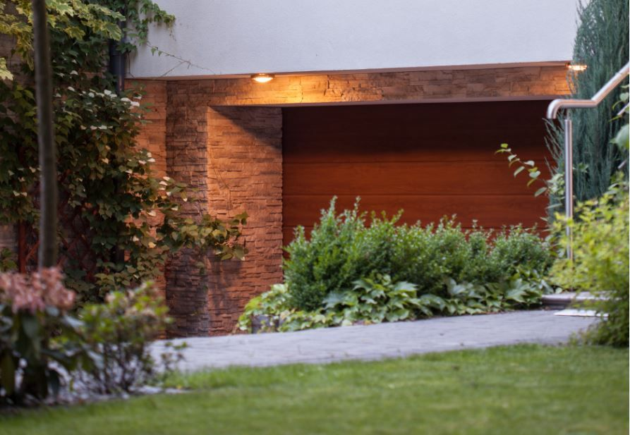 C mo elegir la mejor puerta de garaje autom tica para tu hogar - Puerta de garaje automatica ...