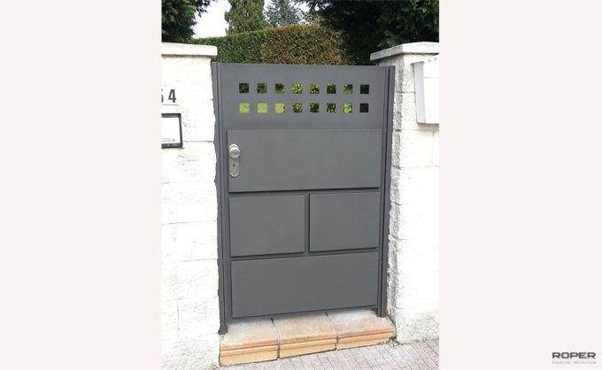 Puerta Peatonal 2