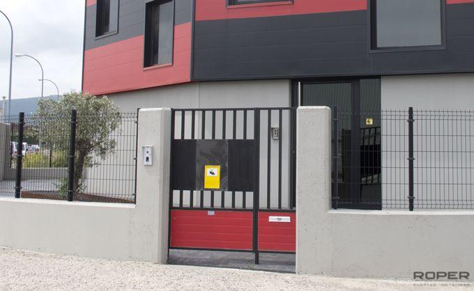 Puerta Peatonal 9