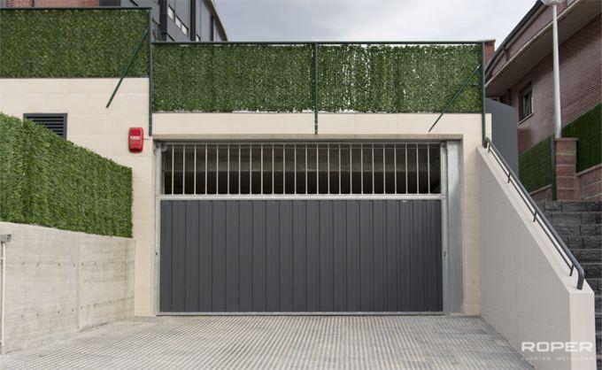 Puerta de Garaje Basculante 2 Hojas Comunitaria 4