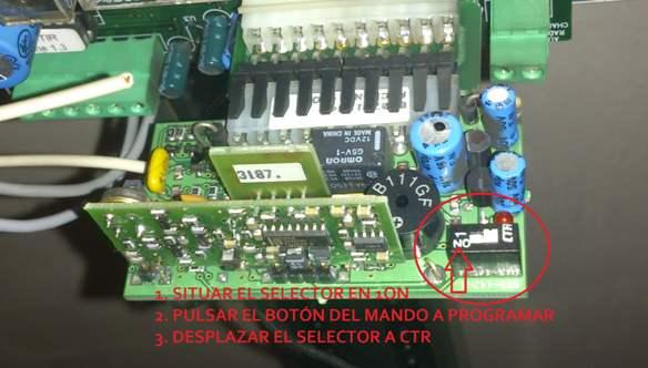 Programar mando para puerta de garaje NER2DCS